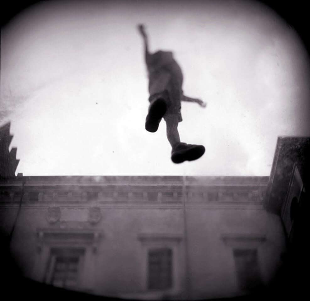 35-Levitation-2001