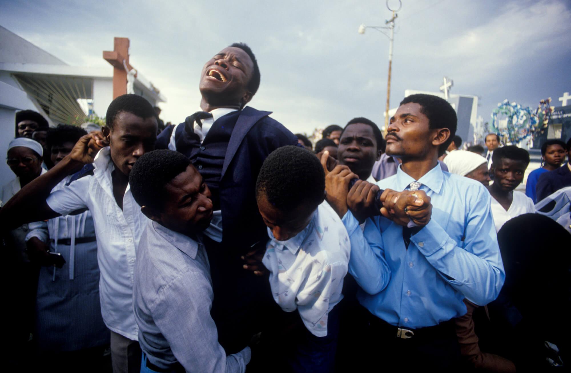 Steber_Haiti_MOTHERS-FUNERAL